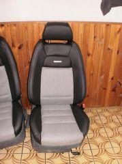 přední sedačky na Škoda Octavia 1 v úpravě tvaru Fabia 1 RS