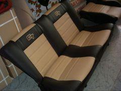 zadní sedačky na W Golf 2 v úpravě Octavia RS2