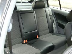 Škoda Octavia1 udělané autopotahy na míru s funkční zadní loketní opěrkou