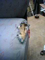 sedačka před opravou