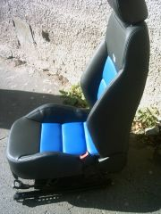 přední sedačka z klasické Octavia 2 upravena do tvaru Octavii 2 RS