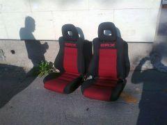 Předni sedačky z Honda CRX