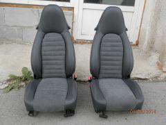 sedačky z Porsche Boxter