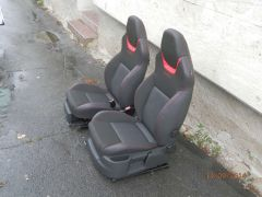 sedačky z Octavii 2 upravena do tvaru Octavii 3 RS
