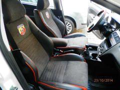 sedačky z Fiata Linea upravene do tvaru Fabii RS2