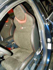 sedačky z Audi A6 upravene do tvaru Octavii RS3