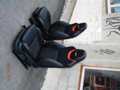 předni sedačky z Octavii 2  upravene do tvaru Octavii RS3