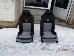 předni sedačky z Porsche Cajenn upravene do podoby Seperb 3 Laurin a Klement