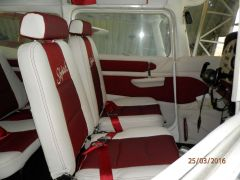 sedačky z  letadla