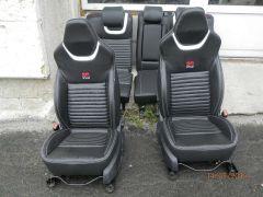 předni sedačky z Ford Mondeo 4 upravene do tvaru Octavii 3 RS